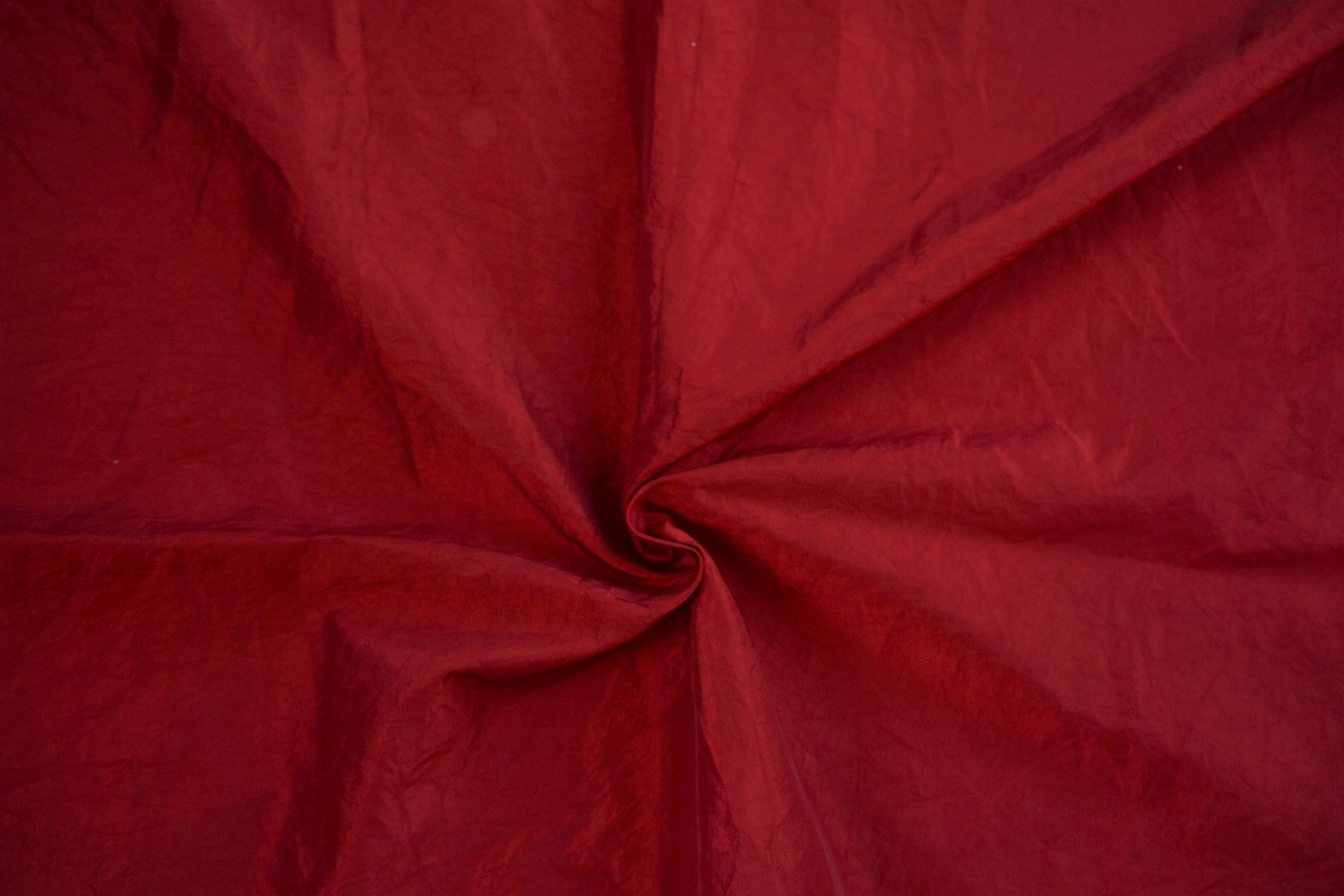Tafta rouge